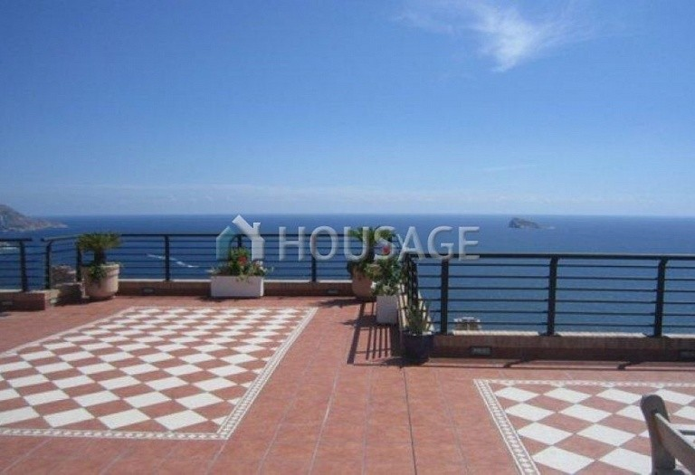 4 bed apartment for sale in Benidorm, Spain, 280 m² - photo 2