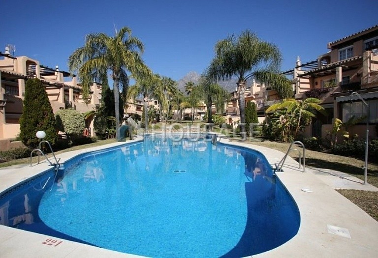 Townhouse for sale in Nagueles, Marbella, Spain, 475 m² - photo 1