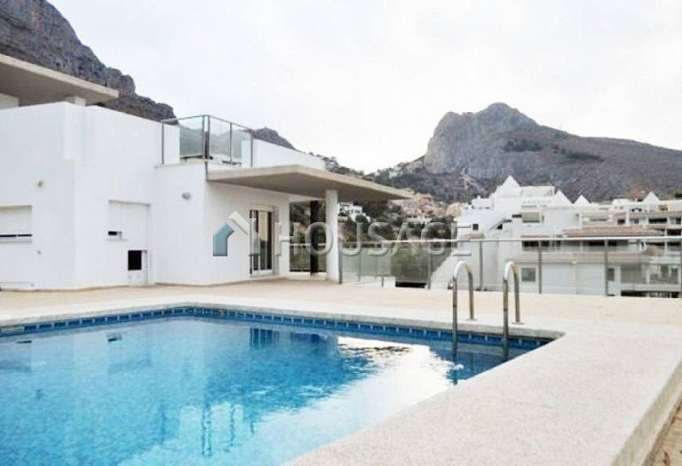 4 bed villa for sale in Altea, Altea, Spain, 300 m² - photo 1