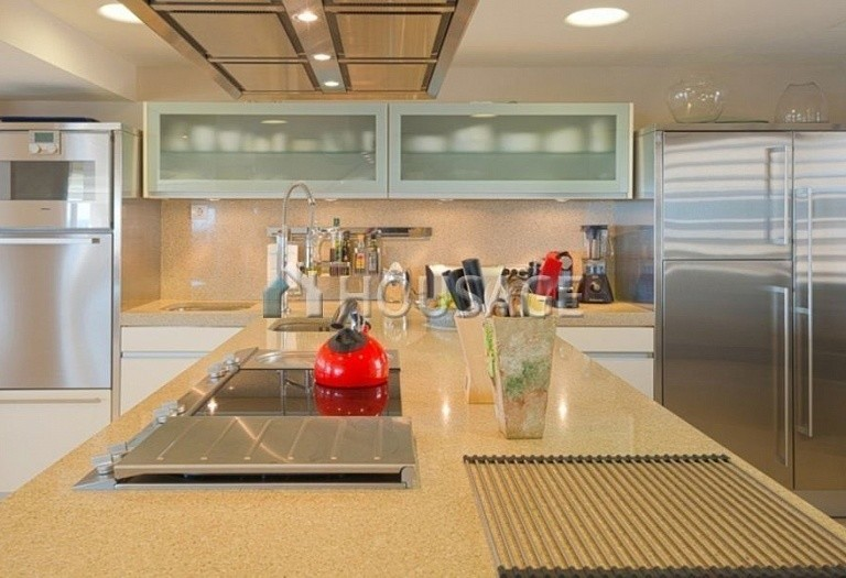 Flat for sale in Marbella, Spain, 661 m² - photo 5