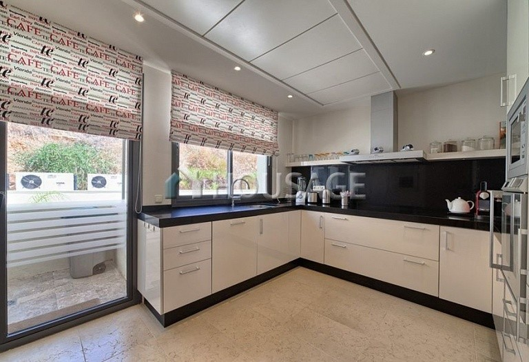 Flat for sale in Los Monteros, Marbella, Spain, 359 m² - photo 5