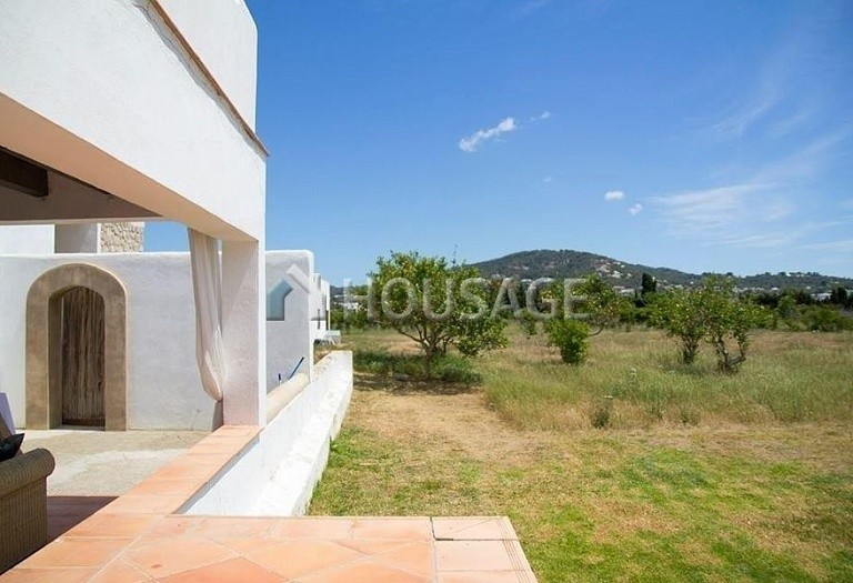7 bed house for sale in Santa Eulalia del Rio, Spain, 680 m² - photo 1