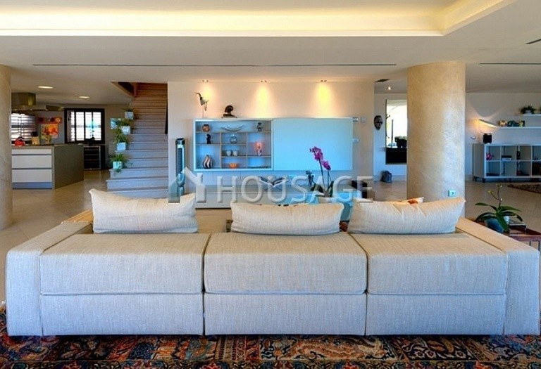 Flat for sale in Marbella, Spain, 661 m² - photo 4