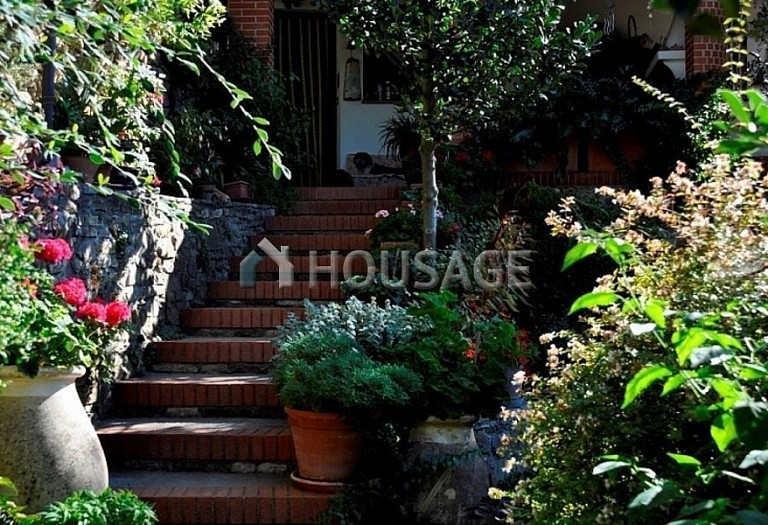 4 bed villa for sale in Vallebona, Italy, 120 m² - photo 9