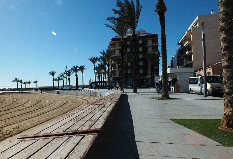 2 bed flat for sale in Torrevieja, Spain, 70 m² - photo 2