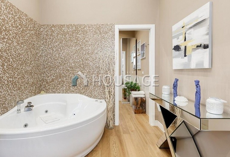 2 bed flat for sale in Rome, Italy, 110 m² - photo 22