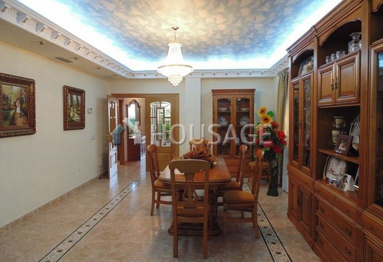 7 bed villa for sale in Torrevieja, Spain, 630 m² - photo 4