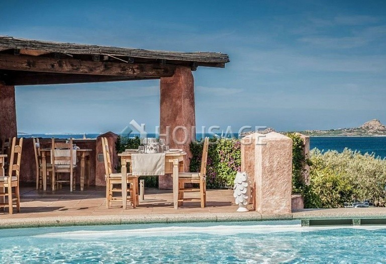 Hotel for sale in Sardinia, Italy, 9500 m² - photo 3