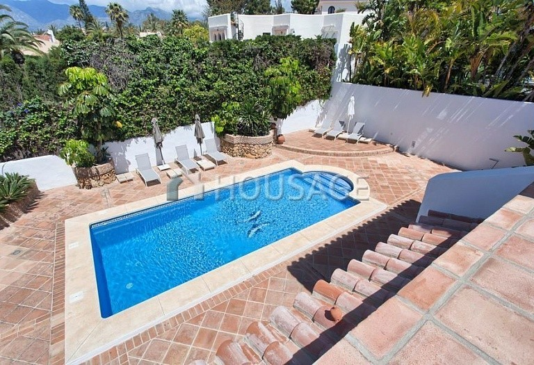 Villa for sale in Los Monteros, Marbella, Spain, 511 m² - photo 9