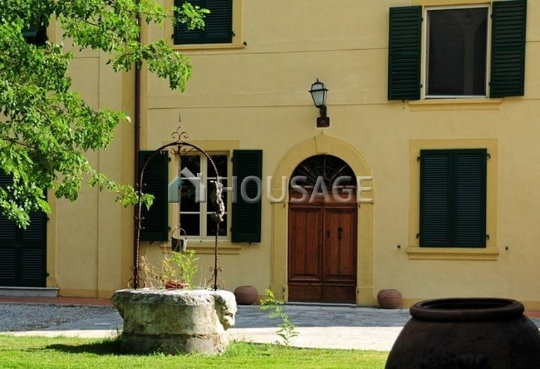 Villa for sale in Pisa, Italy, 1300 m² - photo 3