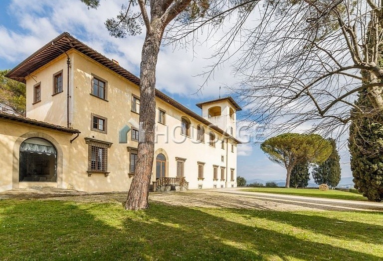 9 bed villa for sale in Florence, Italy, 2800 m² - photo 48