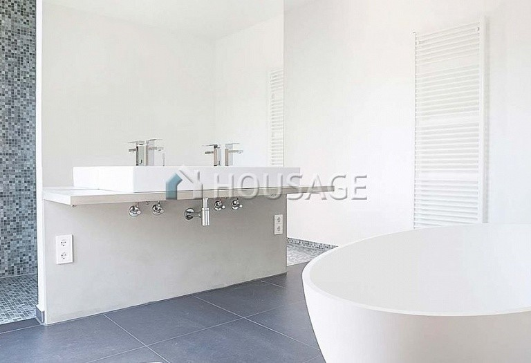 5 bed apartment for sale in Prenzlauer Berg, Berlin, Germany, 202 m² - photo 4