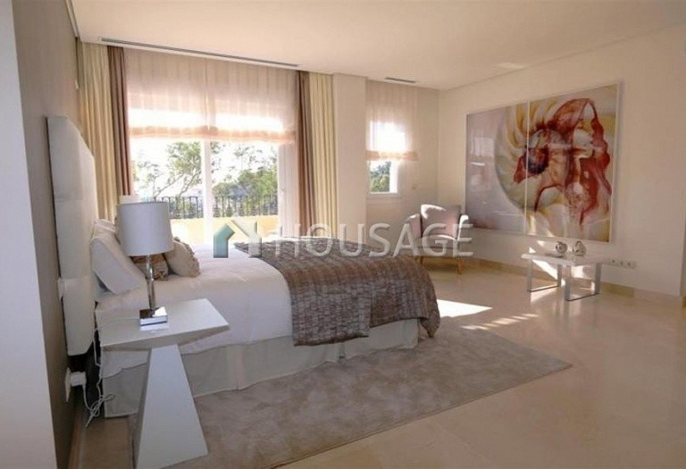 Flat for sale in Nueva Andalucia, Marbella, Spain, 223 m² - photo 7