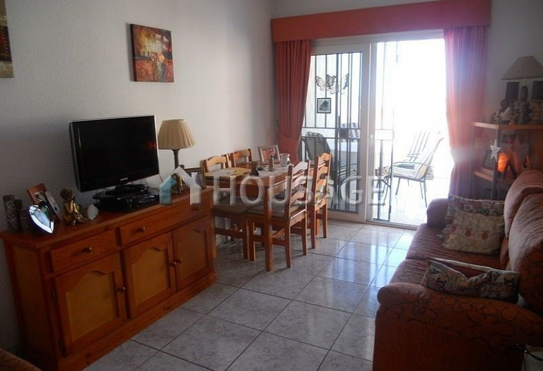 2 bed apartment for sale in Adeje, Spain - photo 3