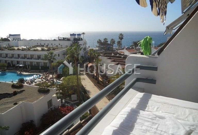 Flat for sale in Adeje, Spain - photo 2