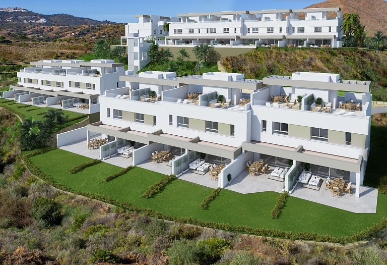 3 bed townhouse for sale in Mijas, Spain, 204 m² - photo 2