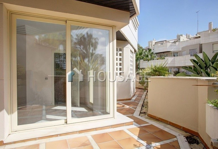 Apartment for sale in Nueva Andalucia, Marbella, Spain, 151 m² - photo 5