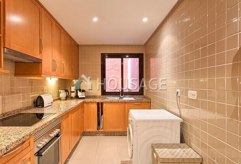 Apartment for sale in Los Almendros, Benahavis, Spain, 189 m² - photo 8