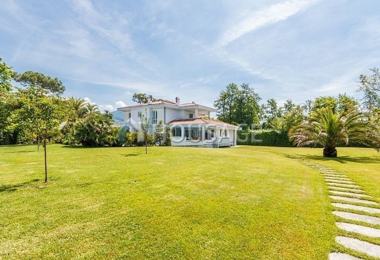 6 bed villa for sale in Forte dei Marmi, Italy, 560 m² - photo 13
