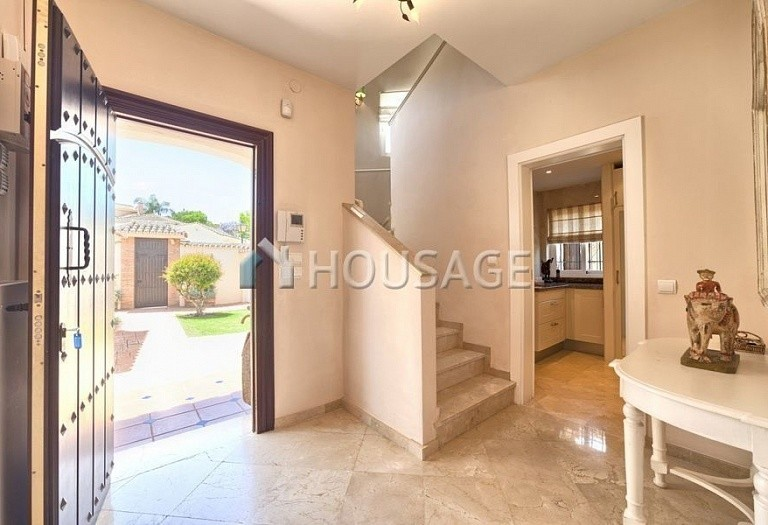 Villa for sale in Nueva Andalucia, Marbella, Spain, 366 m² - photo 16