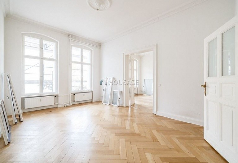 1 bed flat for sale in Friedenau, Berlin, Germany, 57 m² - photo 2