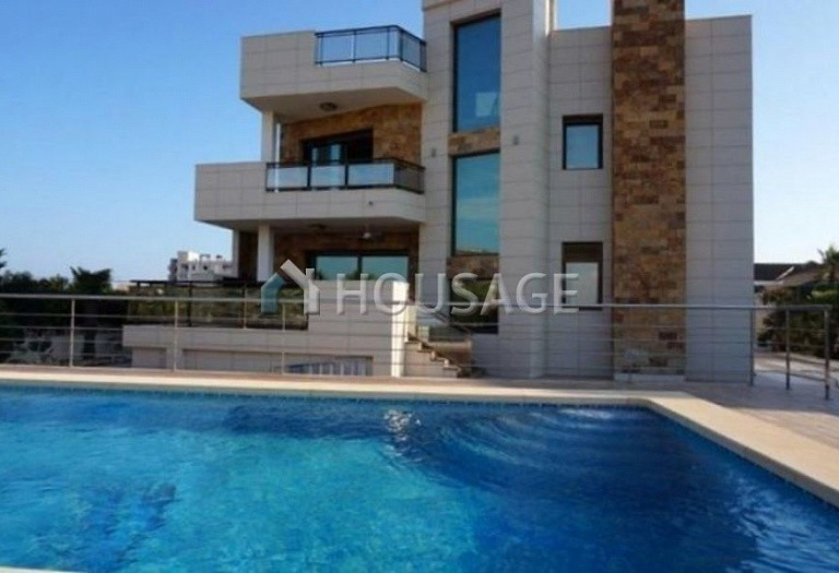 3 bed villa for sale in Torrevieja, Spain - photo 1