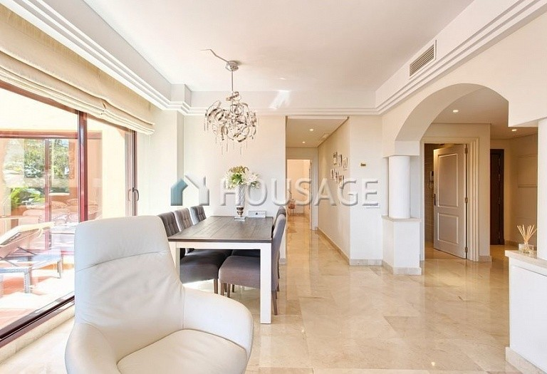 Apartment for sale in Los Almendros, Benahavis, Spain, 189 m² - photo 4