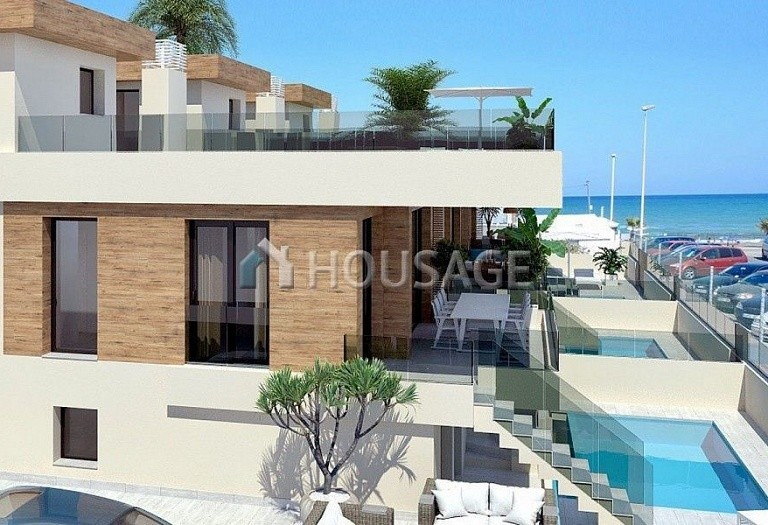 4 bed villa for sale in Torrevieja, Spain, 140 m² - photo 1