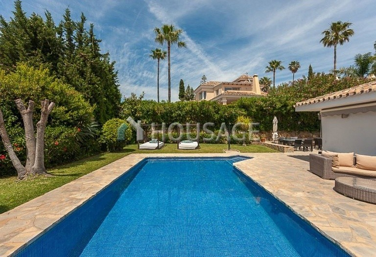Villa for sale in El Rosario, Marbella, Spain, 246 m² - photo 11