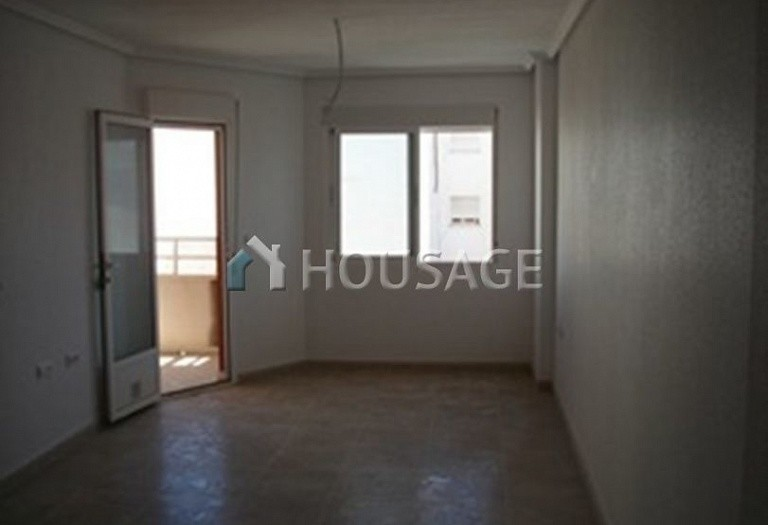 2 bed apartment for sale in Torrevieja, Spain, 80 m² - photo 2