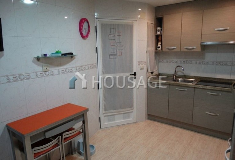 3 bed flat for sale in Alicante, Spain, 80 m² - photo 12