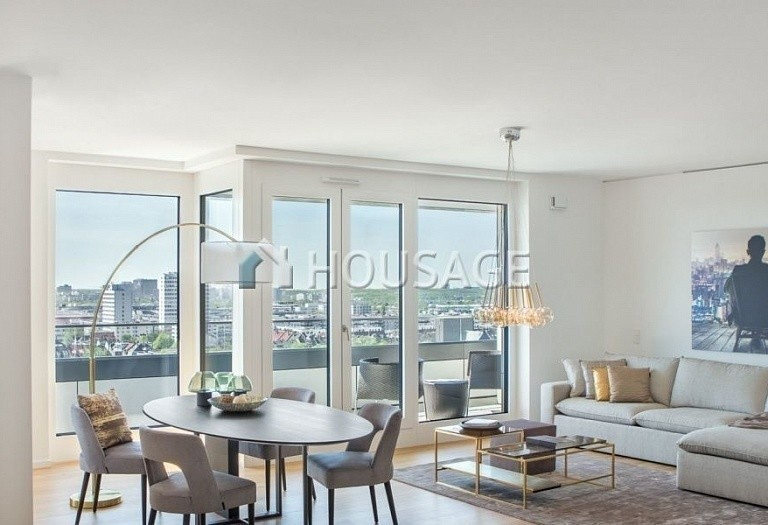 5 bed apartment for sale in Frankfurt, Germany, 347 m² - photo 1