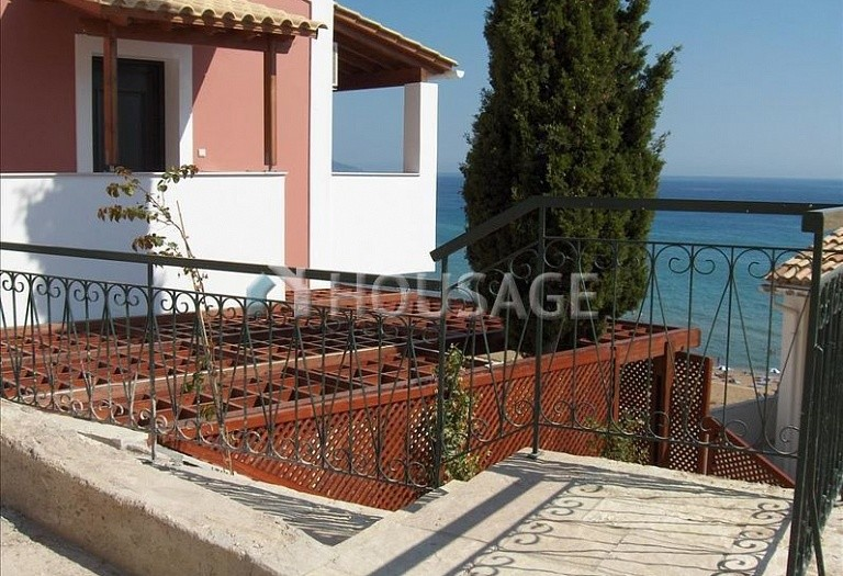 1 bed flat for sale in Glyfada, Kerkira, Greece, 38 m² - photo 2