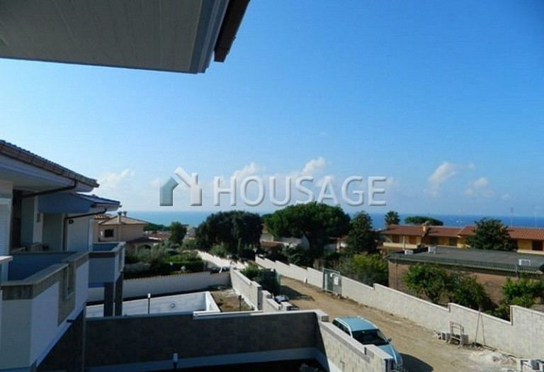 3 bed townhouse for sale in Anzio, Italy, 115 m² - photo 5
