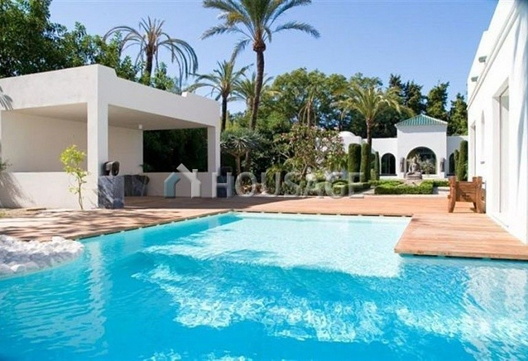 Villa for sale in Guadalmina Baja, San Pedro de Alcantara, Spain, 1278 m² - photo 10