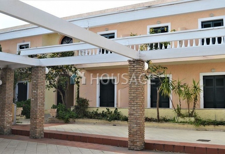 Hotel for sale in Kavos, Kerkira, Greece, 400 m² - photo 1