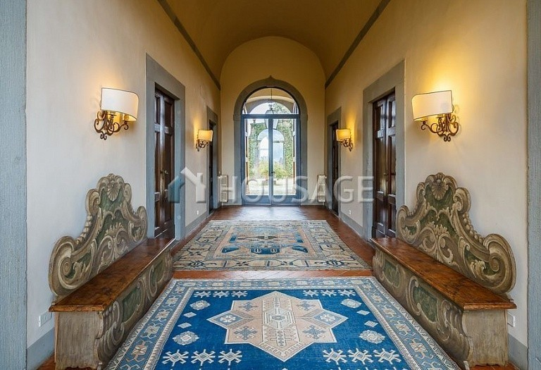 9 bed villa for sale in Florence, Italy, 2800 m² - photo 2