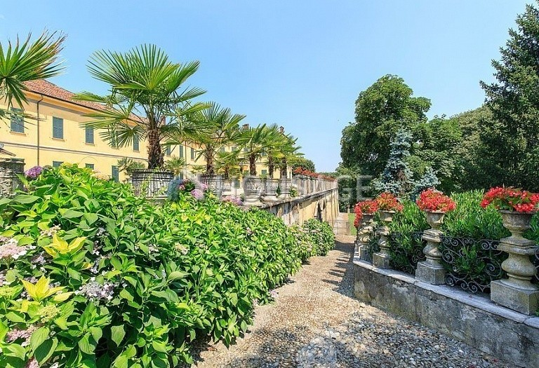 Villa for sale in Milan, Italy, 8000 m² - photo 18