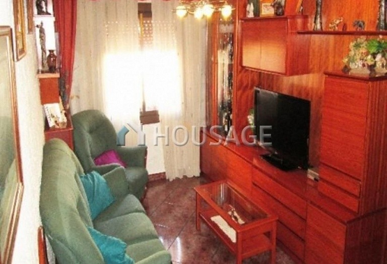 4 bed flat for sale in Hospitalet, Spain, 97 m² - photo 14