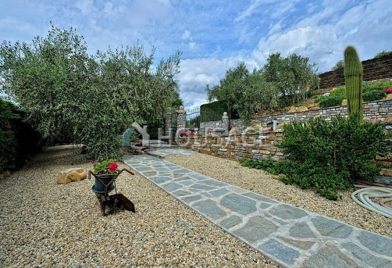 6 bed villa for sale in Diano Marina, Italy, 350 m² - photo 21