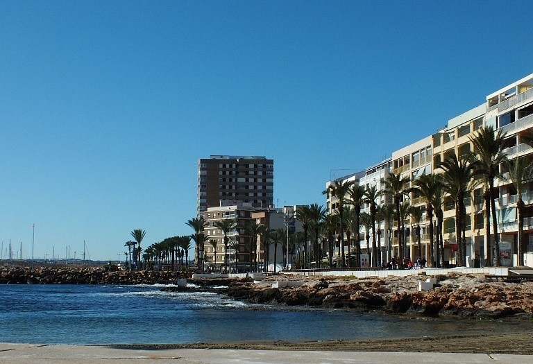 2 bed flat for sale in Torrevieja, Spain, 70 m² - photo 3