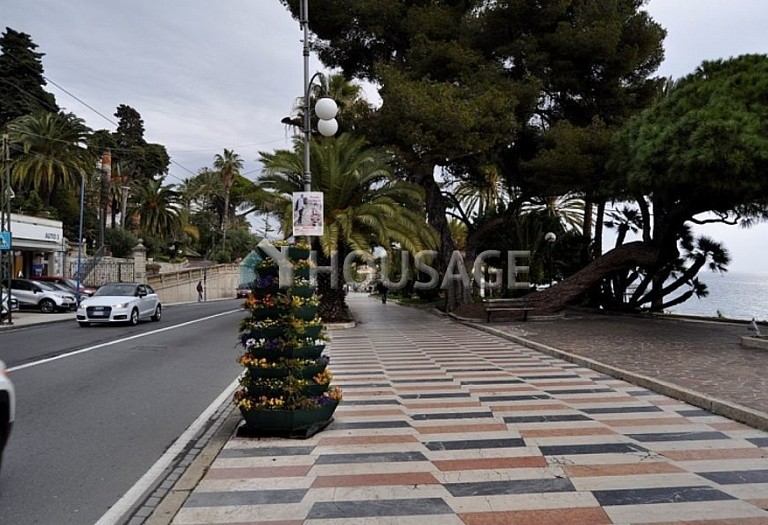 3 bed apartment for sale in Sanremo, Italy, 100 m² - photo 3