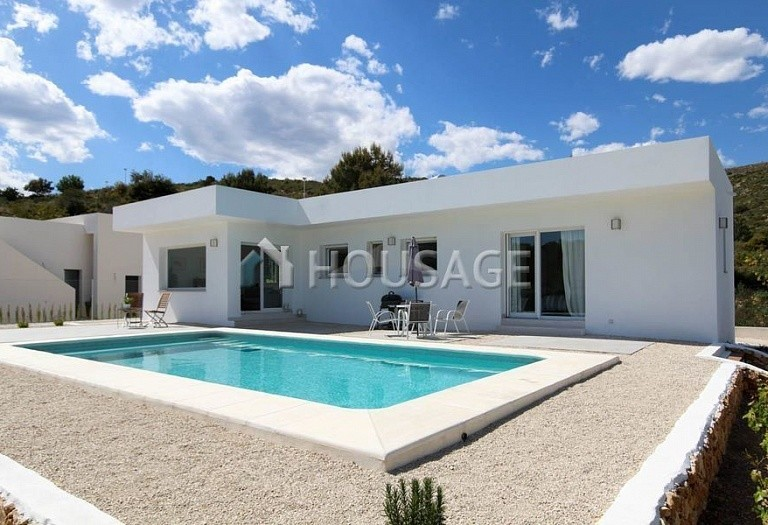 3 bed villa for sale in Benitachell, Spain, 120 m² - photo 2