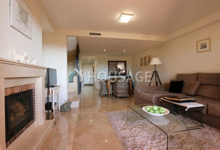 Townhouse for sale in Cabopino, Marbella, Spain, 217 m² - photo 2