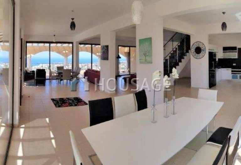 6 bed villa for sale in Kissonerga, Pafos, Cyprus, 440 m² - photo 3