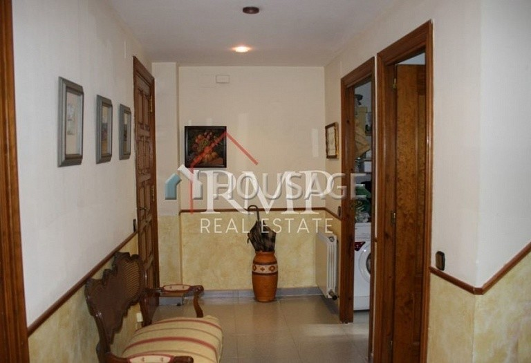 5 bed a house for sale in Sant Andreu de Llavaneres, Spain, 280 m² - photo 8