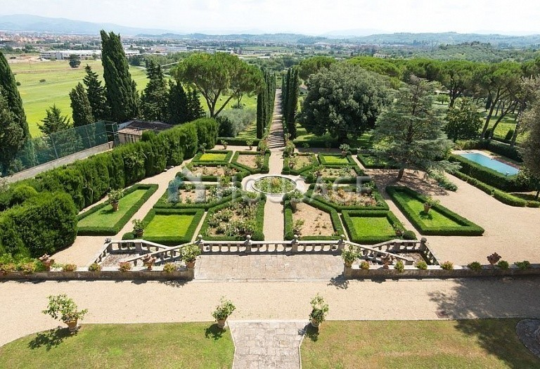 Villa for sale in Florence, Italy, 2800 m² - photo 5