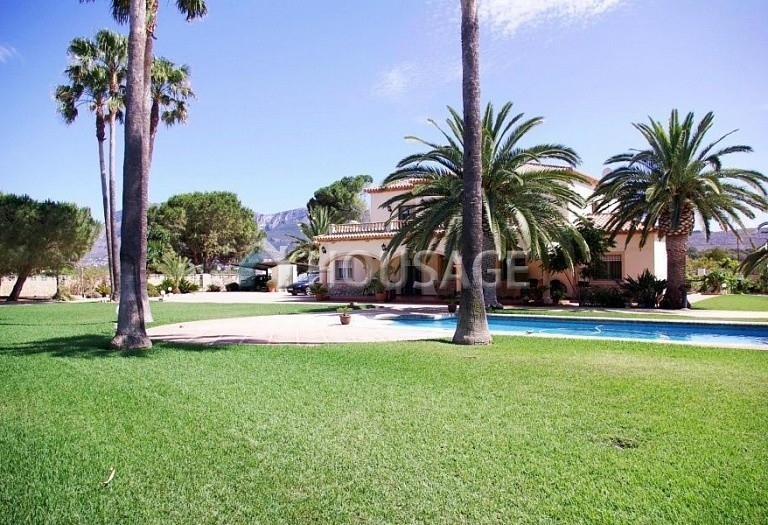 6 bed villa for sale in Denia, Spain, 317 m² - photo 2