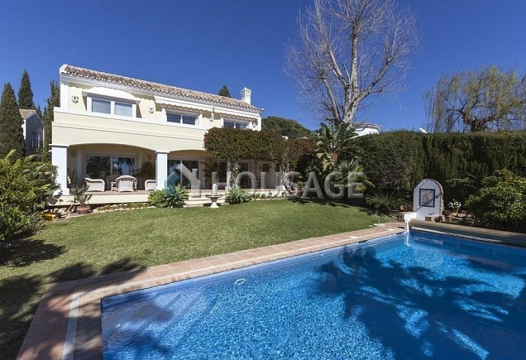 Villa for sale in Marbella Golden Mile, Marbella, Spain, 492 m² - photo 1
