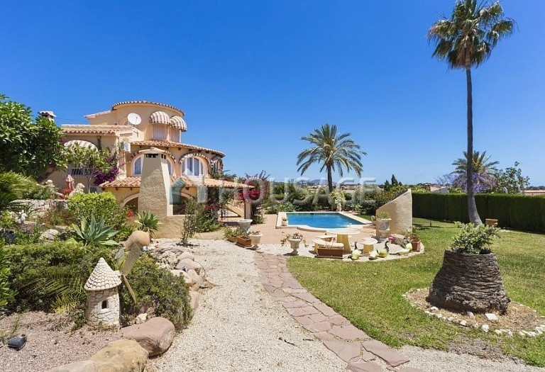 5 bed villa for sale in Calpe, Spain, 267 m² - photo 3